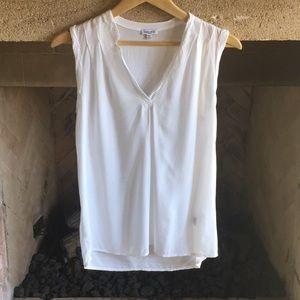 Splendid sleeveless blouse